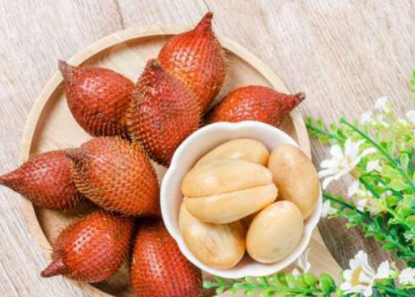 8 Manfaat buah salak